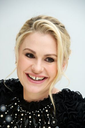 2150 anna paquin-look-anna-paquin-s-dramatic-goodbye-to-true-blood