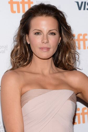 Kate-beckinsale-at-face-of-angel-premiere-in-toronto 21