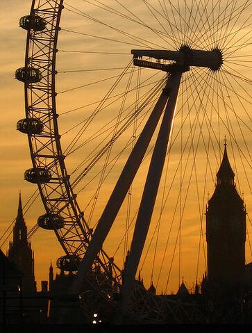 File:London Eye & Big Ben at sunset.jpg