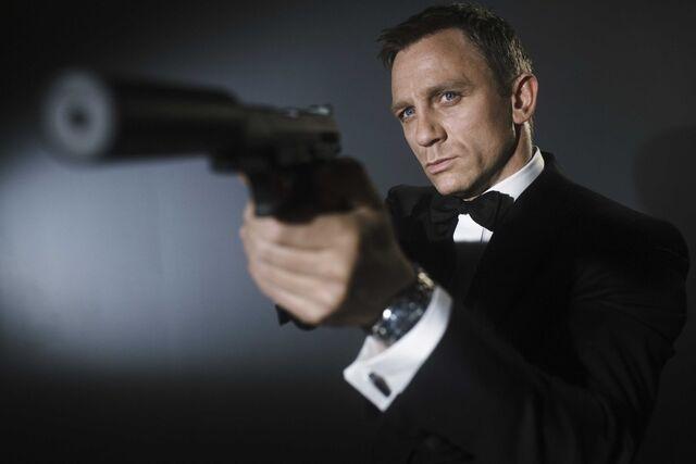 File:James Bond Daniel Craig.jpg