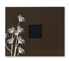 File:American Crafts - Patterned Cloth Album - 12 x 12 D-Ring - Chestnut with White Flowers.jpeg