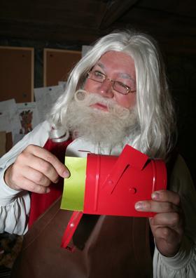 File:Santa-email-280.jpg