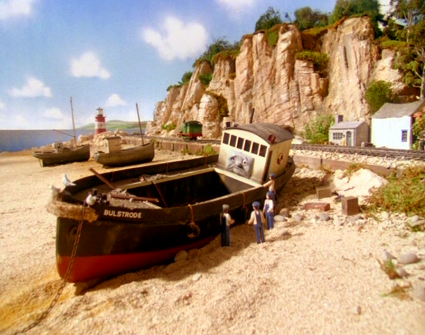 File:Bulstrode on the beach.png