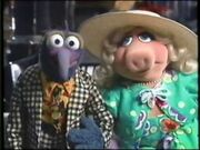 Gonzo and Miss Piggy from Kermit Unpigged Soundtrack Promo