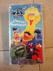 Sesame-Street-25-Wonderful-Years-A-Musical-Celebration-VHS-Tape 162600A