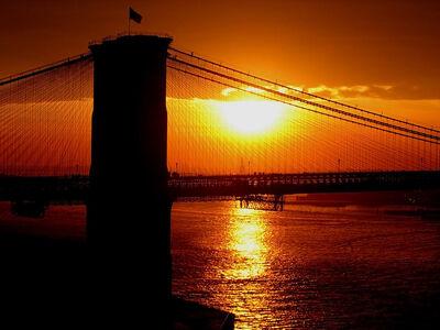 Brooklyn-bridge-sunset-silhouette-samuel-kessler