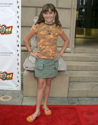 File:Alyson Rae Stoner (August 21, 2004).png