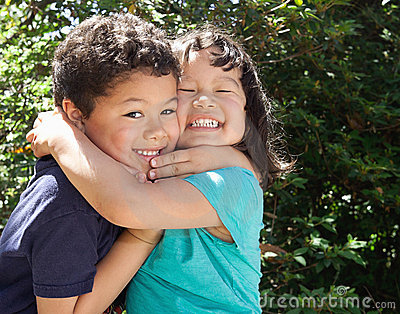 File:Happy-little-children-hugging-19430379.jpg