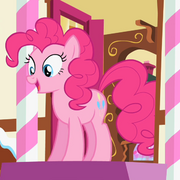 Pinkie Pie Sugarcube Corner door S2E13