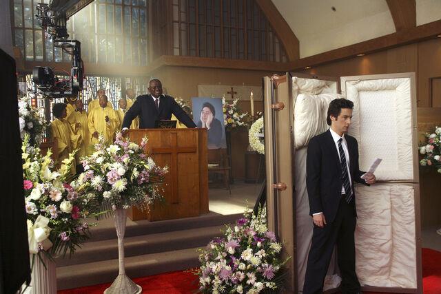 File:6x16 JD's funeral 2.jpg