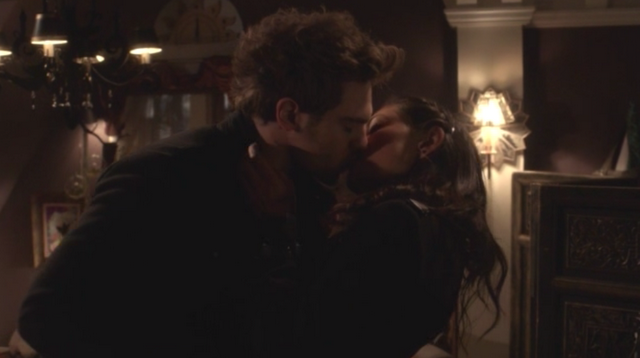 File:Grey Damon and Phoebe Tonkin as Lee and Faye.png