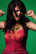 Selena-Gomez-Naturally-Music-Video