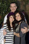 Mandy-Teefey-Selena-Gomez-mom-pic