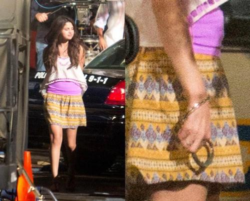File:Selena-gomez-with-hand-handcuffs.jpg