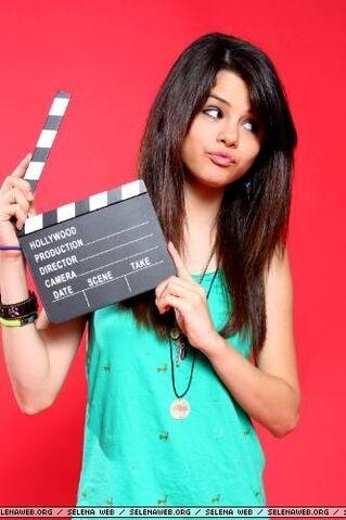 File:Selena Gomez 16046 140.jpg