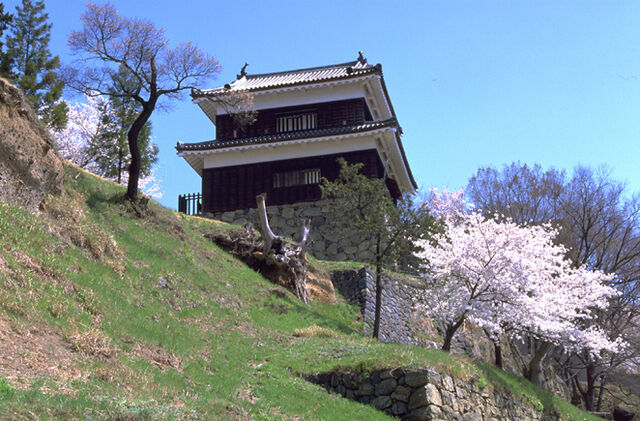 File:Ueda Castle 3.jpg