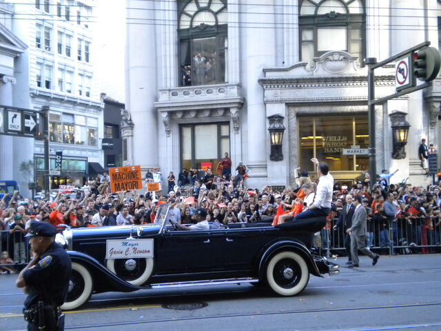 File:GiantsParade16.jpg