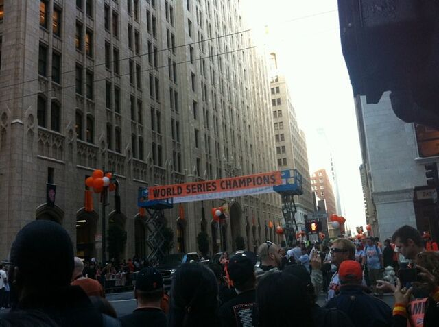 File:Before giants parade 2.jpg