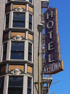 Hotel Verona detail large