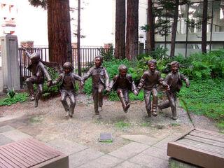 Children-statue3