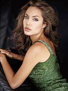 Angelina jolie1a 300x400