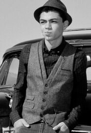 Adam-irigoyen-blackandwhite-photoshoot-oldschool