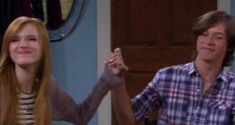 Holdinghandscog