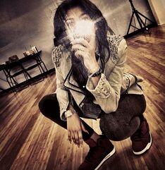 Zendaya-coleman-taking-picture