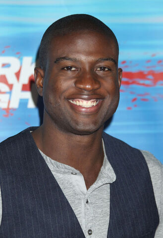 File:Sinqua Walls Shark Night 3D Los Angeles Premiere vdWmcE8bVu2l.jpg