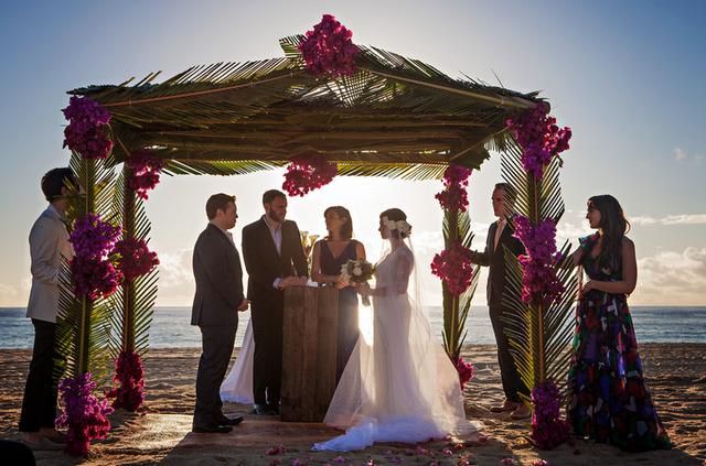 File:Dan Gregor and Rachel Bloom wedding ceremony.png