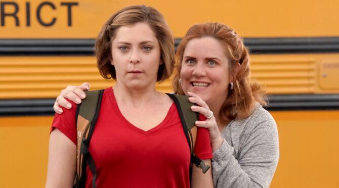 1x10 Rebecca and Paula