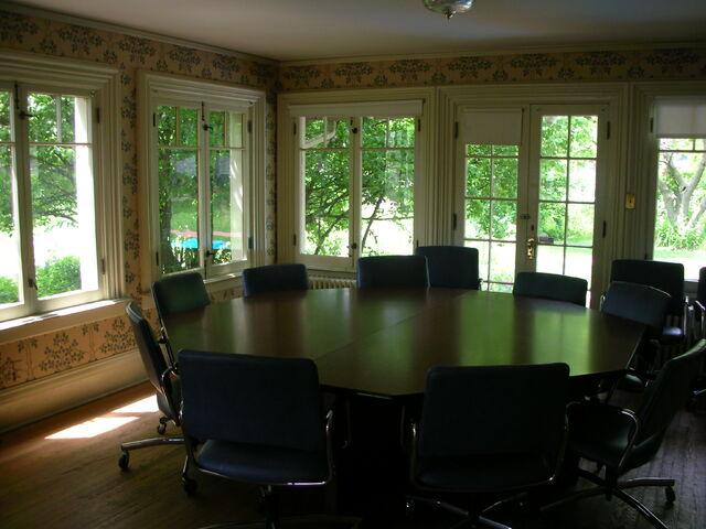 File:Waukegan Hutchins building interior classroom table.jpg