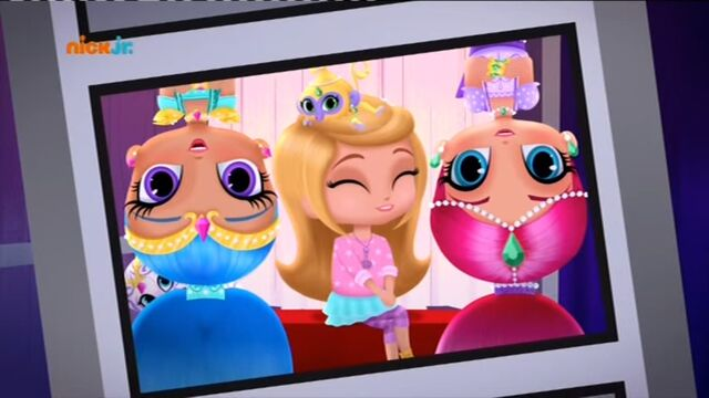 File:Shimmer and shine photobooth.jpg