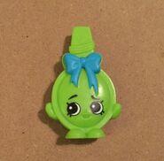 Shopkins-mcdonalds-happy-meal-toy-curly-green-brush-293ea679cd3b2726d6dd6e25179e5bb0