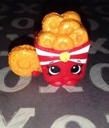 Onion ring toy
