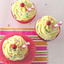 Strawberry-lemonade-cupcakes-4