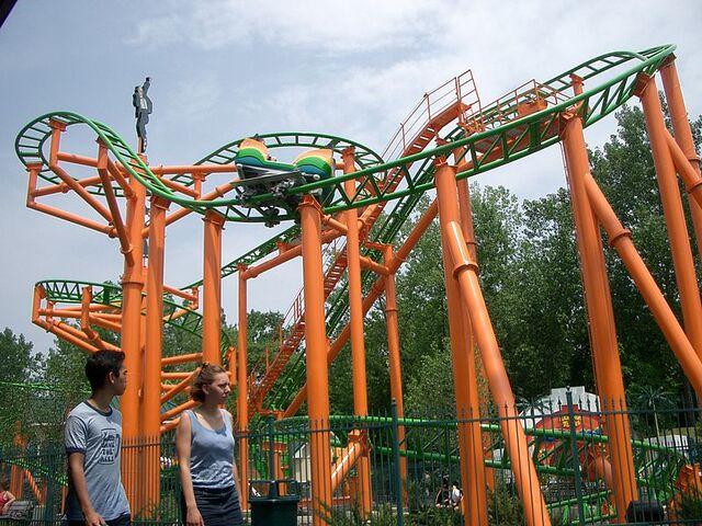 File:Pandemonium, Six Flags New England.jpg
