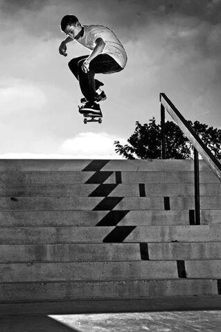 File:Skateboard 814.jpg