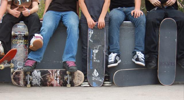File:Skateboarders Slider.png