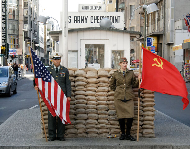 File:Berlin Checkpoint Charlie 089.jpg