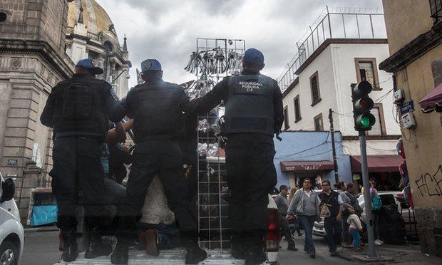 File:Wikia Skyfall - Mexico City streets.jpg