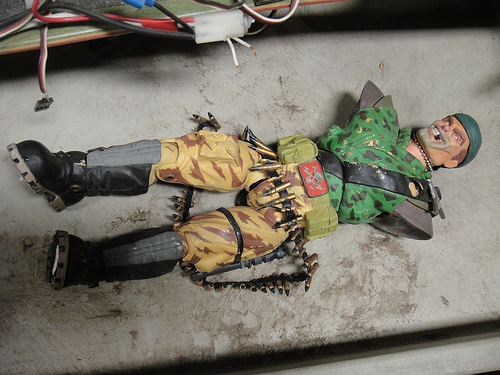 File:The Prop Store of London - LA - Small Soldiers puppet figure.jpg