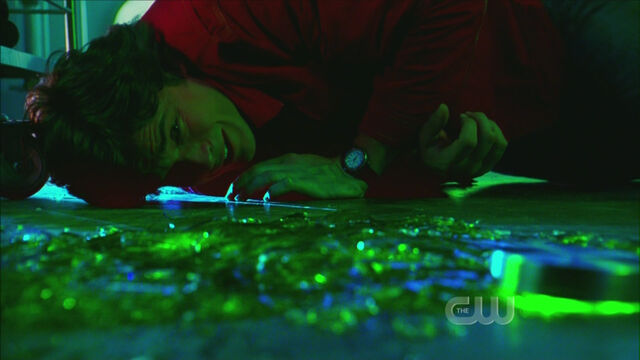 File:Clark in kryptonite.jpg