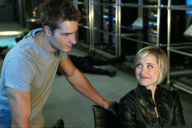 File:Oliver-et-Chloe-Smallville-10x12-2-5.jpg