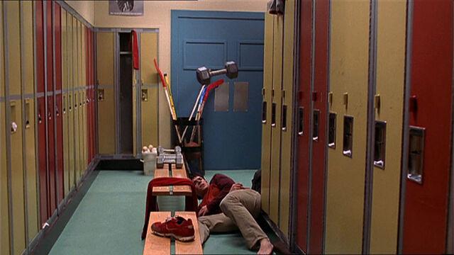 File:Troy-Turner-1x10-06.jpg
