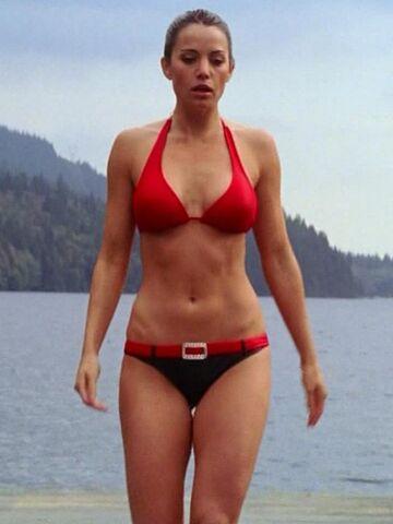 File:Smallville-bikini.jpg