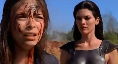 File:Lana and the Kriptonian women.png