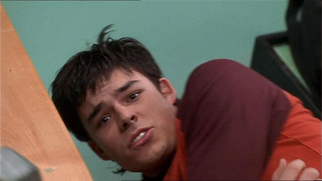 File:Troy-Turner-1x10-05.jpg