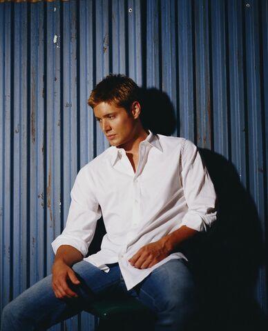 File:Jensen Ackles Smallville Promotional 5-14.jpg
