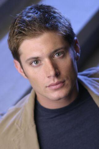 File:Jensen Ackles Smallville Promotional 1-34.jpg
